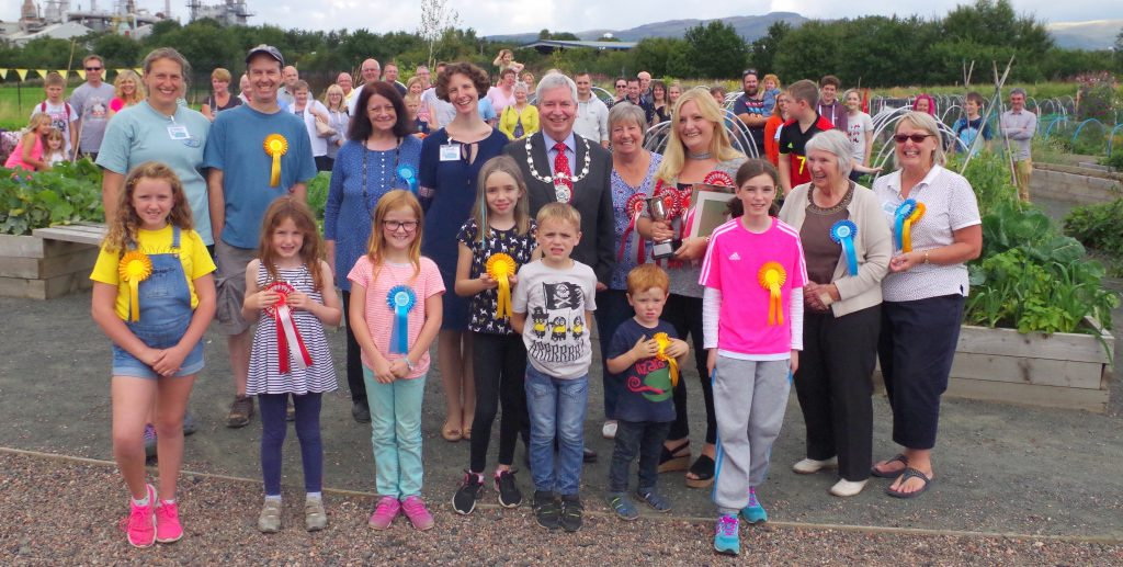 Braehead Community Garden Flower Show prizewinners with Stirling Council Provost (Aug 2016)