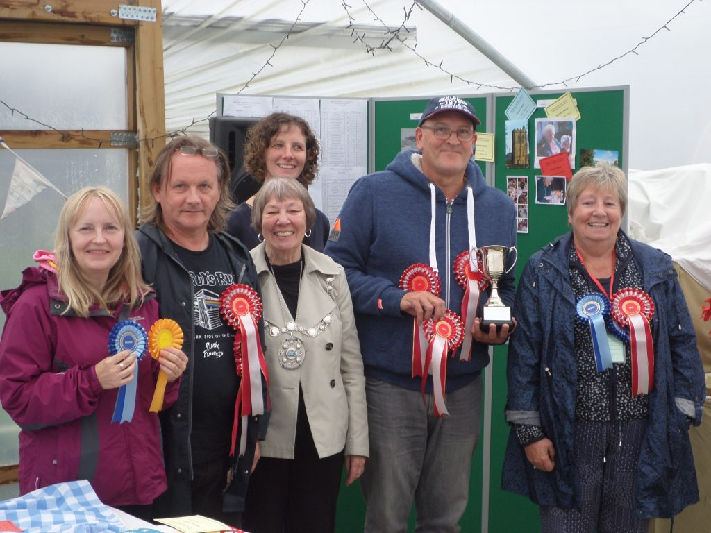 Horticultural Show Prize Winners 2018 (Pauline Roberts, Alasdair Forsyth, Jim Clark and Kay Wilson with Provost Christine Simpson and Show Coordinator Rosa Huczynska)